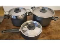 Set of three cooking pots
