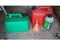 Petrol cans ; funnel ; 2-stroke oil