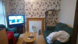 3 bedroom end terrace furnished house for rent mid February