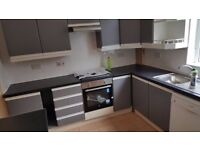 3 large double rooms available in Victoria street,Chadderton OL9 incl.all bills near Oldham Hospital
