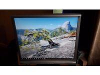 "19"" LCD Monitor Iiyama prolite E1900s DVI VGA + Speakers"