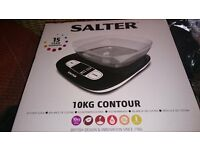 Salter Kitchen scales Black with clear bowl Brand new weigh upto 10kg cost £45 would like £20