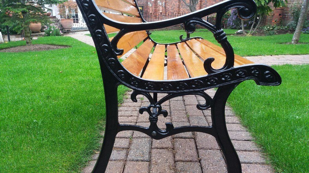 Garden Bench With Vintage Heart Shape Cast Iron Ends