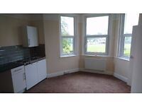 STUDIO FLAT, Sea views, Parking Space, self contained,