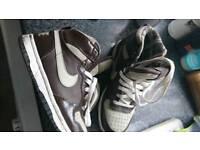 Nike sz 4
