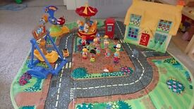 Happyland Figures, House and funpark set in box/playmat