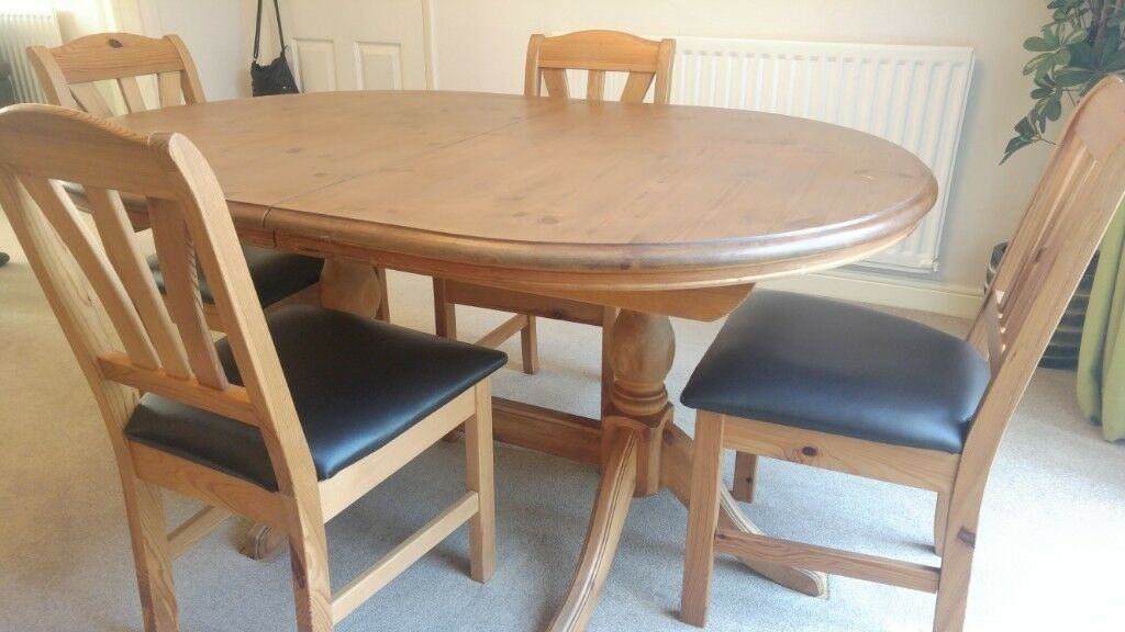 Solid Waxed Antique Pine Dining Table & 4 Chairs - Solid Waxed Antique Pine Dining Table & 4 Chairs In Bognor Regis