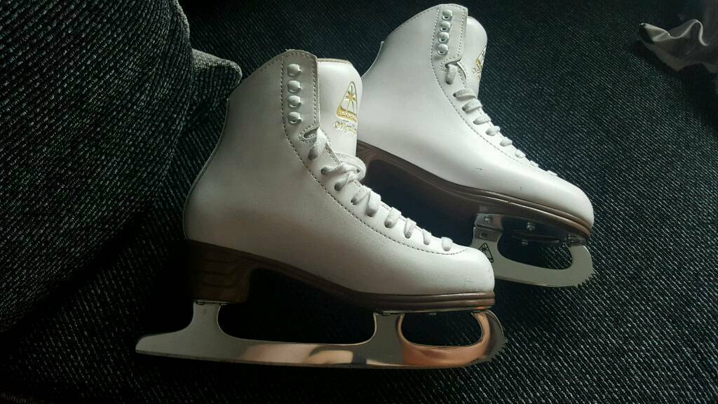 Jackson mystique ice skating skate