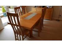 Oak Veneer Dining Table With 6no Mactching Chairs