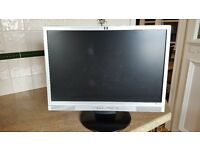 "HP Widescreen w19ev Computer Monitor 19"" LCD Screen with built in speakers"