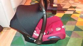 MaxiCosi 0+ Car seat + Base