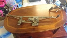 SMART FORTWO MK1 1998-2002 FRONT WIPER MOTOR AND WIPER ARMS (RHD)