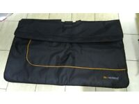 Neuland carring bag for foldable pin boards or flipcharts!never used! Can deliver or post