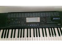 Keyboard yamaha psr 420 with stand and headphones