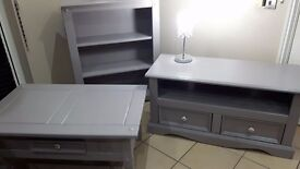 SOLID WOOD BEAUTIFUL XL TV UNIT, TALL DISPLAY UNIT/BOOKCASE/ LIGHTS& FREE COFFEE TABLE immaculate