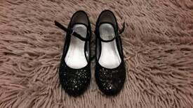 Childs Designer Dress shoes in Black Size 13