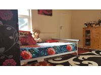 FOR RENT 2/3 BEDROOM TERRACED HOUSE, COLLEGE ROAD,BEDFORD