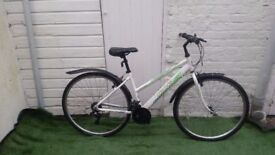 """Ladies Apollo Cascade. 17.5"""" frame /18 speeds/ 700 wheels used in great condition"""