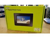 Technika 7 inch photo frame