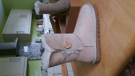 UGG Bailey Button *NEW* sand suede boot size 4.5 uk