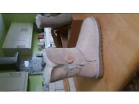 UGG Bailey Button sand suede boot size 4.5 uk