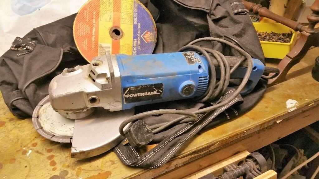 "9"" Electric Grinder with carry bag"