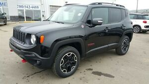 2016 Jeep Renegade TRAILHAWK / SUNROOF / NAV / HEATED SEATS