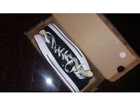 Mens size 9 high top converse brand new