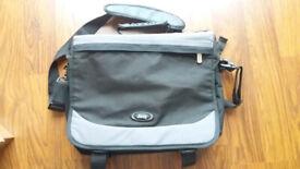 Genuine Jeep laptop/computer/tablet shoulder Messenger Bag