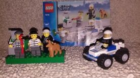 LEGO 7279 Police Minifigure Collection