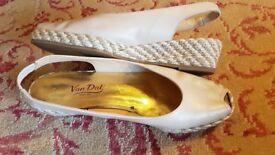 Ladies Van Dal Beige Leather Rope Wedge Peep Toe Sanadals Size 7.5