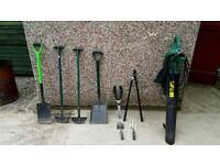 2600Watt Garden Vac/blower in perfect working order and garden tools all in good condition