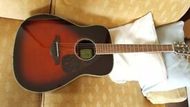 Yamaha Acoustic Guitar perfect condition, new last month