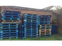 High Quality Wooden Pallets - Ideal for garage floor in flood risk areas - wood - RG30