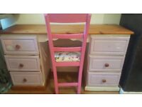 Dressing table.. good for a project £35