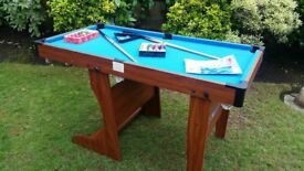 """Childs 8 ball pool / snooker table 4ft 6"""" - £20"""
