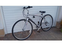 Raleigh Venture Gents Hybrid Cycle with Medium Frame