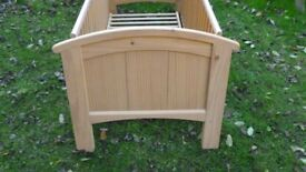 1x cosatto cot in need of new fixings and repair