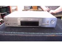 SONY DVP 5725D CD / DVD PLAYER, WITH REMOTE