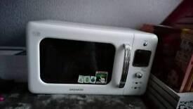 Daewoo microwave (white)