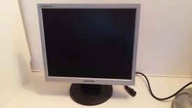 """Samsung 17"""" monitor with cables."""