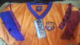 Brand New Official Retro Classic Barcelona Tshirt Size Large