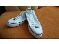 All Star Converse mens trainers size 8.5. New !