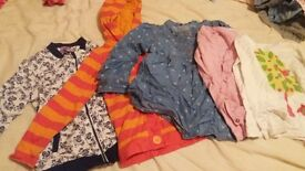 huge bundle of girls clothes age 4-5/5-6 and shoes size 11