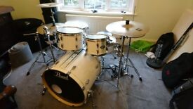 Pearl Vision Birch Artisan II Ltd. Edition 6pc including some hardware and cymbals