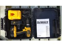 Dewalt 18v cordless hammer drill, 2 batteries and charger