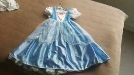 2 in 1 Cinderella reversible dress 7-8