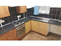 Newly Decorated 3 Bedroom Apartment With Living Room In Stamford Hill