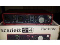 Scarlett 2i4 Focusrite (MINT CONDITION)