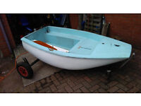 DINGHY WITH SAILING RIG, TENDER, ROWING,FISHING CAR TOPPABLE LOCH, RIVER, CANAL